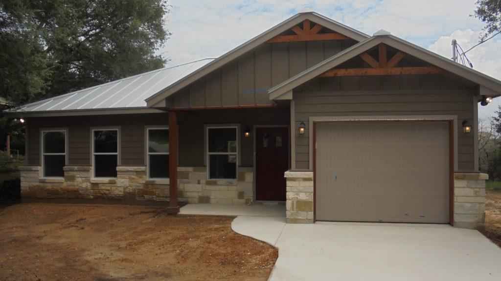 Blanco havenbrook homes for Versatile garages